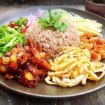 อาหารพม่า เป็นอาหารอีกชนชาติที่เป็นเพื่อนบ้านกับมากับเราเป็นเวลาช้านาน